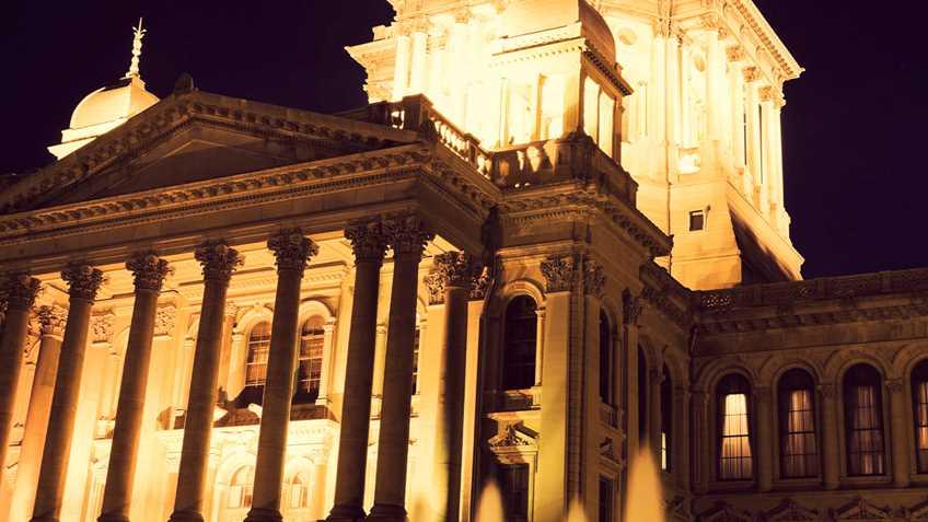 Illinois: Legislature Forgoes Official Adjournment to Continue Budget Debate