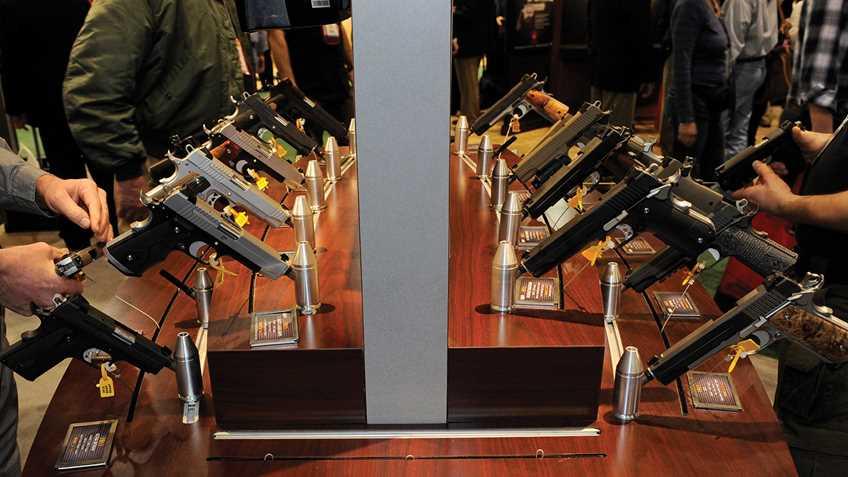 New Yorkers Push for Handgun Rationing in Virginia