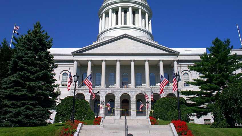 Maine: Legislative Council to Consider Gun Control Bills For Next Year
