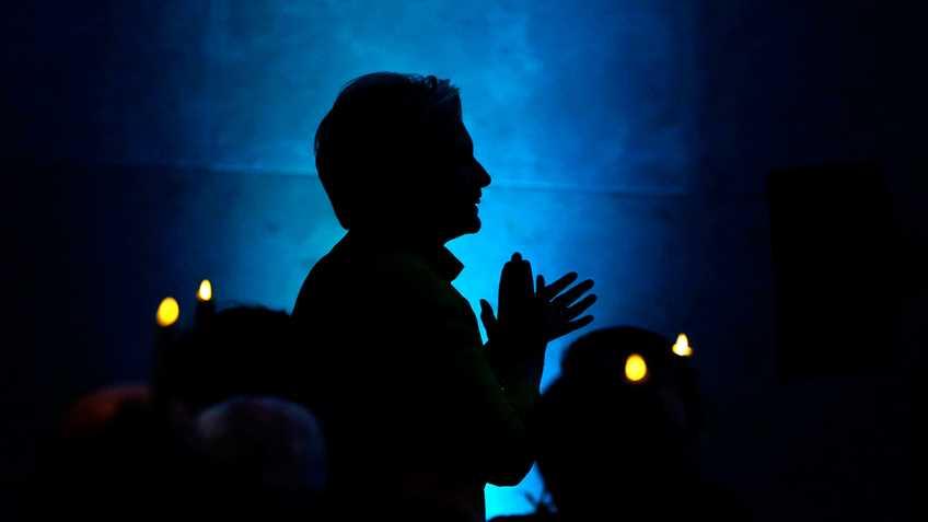 Gun Control Lobby Gives Hillary Clinton Participation Trophy